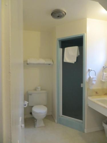 Hofsas House Hotel - Carmel, CA CA 93921