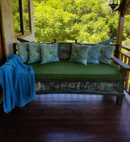 Mrs Tate Hillside Cottage Lombok Price