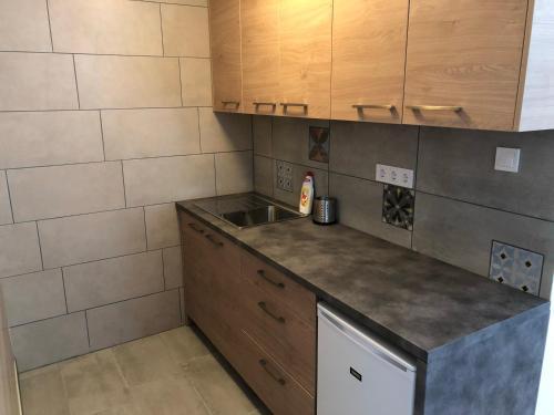 Juno Apartman Vendégház, Miskolctapolca  Reservations online