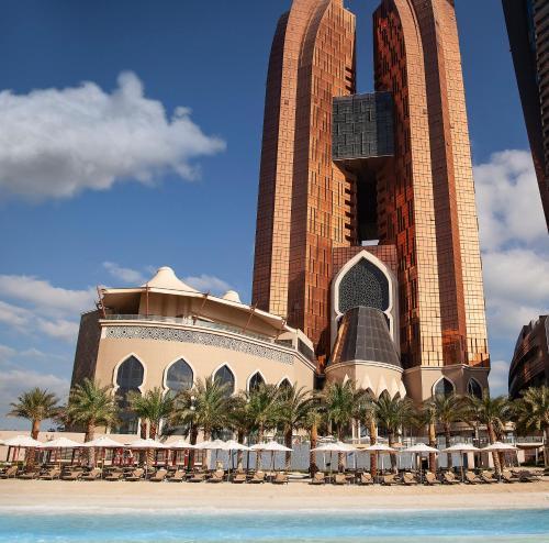 . Bab Al Qasr Hotel