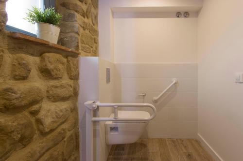 Habitación adaptada para personas con movilidad reducida - Cama grande El Mirador de Eloísa 3