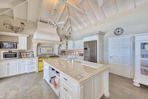 Villa Mirabelle a gorgeous 4BR 4BA villa on Simpson Bay ...