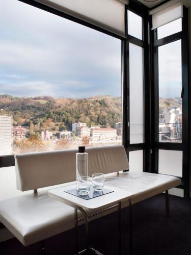Superior Double Room (1-2 Adults) - single occupancy Hotel Miró 3