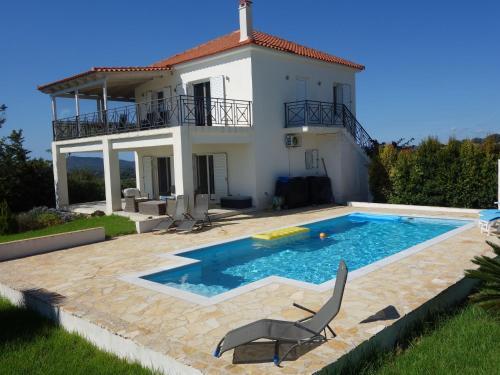 . Elegant Villa in Evangelismos with Pool, Garden near Seabeach