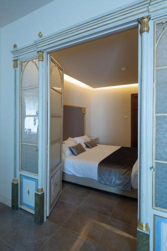 Superior Double Room Les Clarisses Boutique Hotel 2