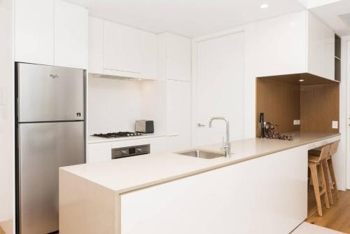 Modern & Private 1 Bedder Close to Train (+1 car) - image 9