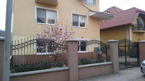 . Apartments I & I