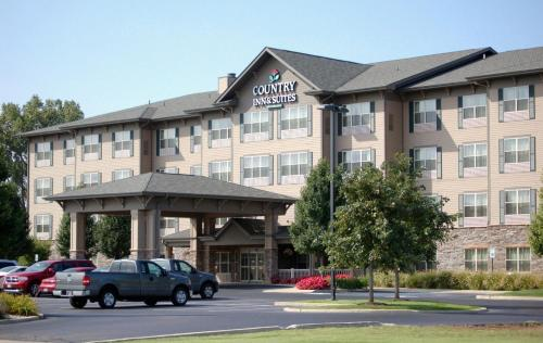 Country Inn & Suites By Radisson Portage In