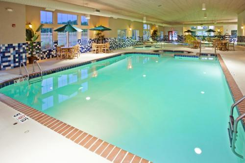 Country Inn & Suites By Radisson Portage In - Portage, IN 46368