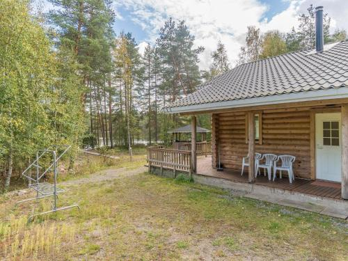 Holiday Home Valkealammi