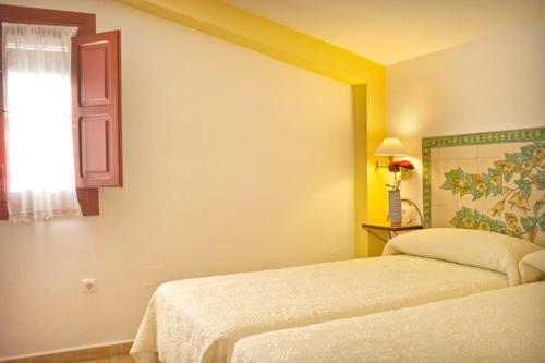 Three-Bedroom Apartment (6 Adults) - single occupancy Hotel Rural El Molino de Felipe 3