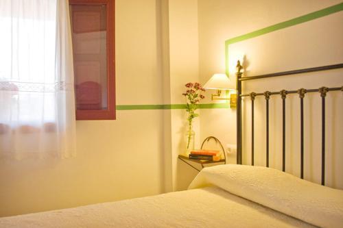Three-Bedroom Apartment (6 Adults) - single occupancy Hotel Rural El Molino de Felipe 1