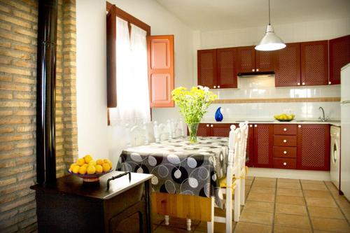 Three-Bedroom Apartment (6 Adults) - single occupancy Hotel Rural El Molino de Felipe 4