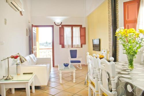 Three-Bedroom Apartment (6 Adults) - single occupancy Hotel Rural El Molino de Felipe 5
