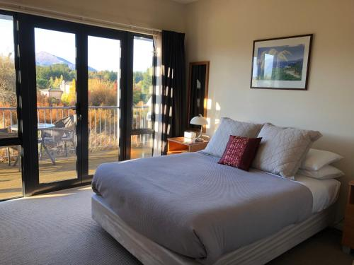 Alpine Peaks Apartment - Accommodation - Wanaka