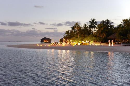 Rangali Island, Rangali 20077, Maldives.