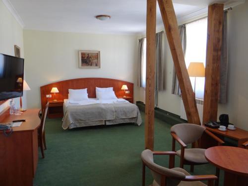 . Hotel Wkra