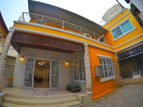 Sairung Villa 6 Bedroom in Patong Beach Sairung Villa 6 Bedroom in Patong Beach
