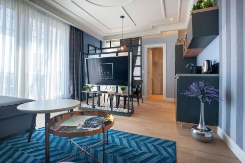 . Dj City Vista Luxury Apartments