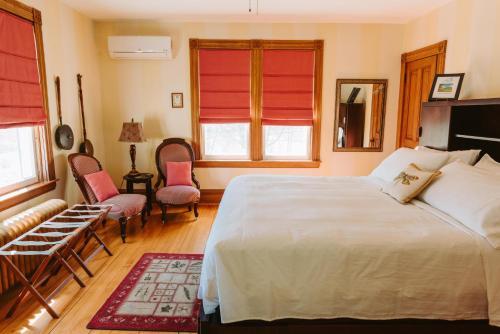 Alicion Bed & Breakfast - Lunenburg, NS B0J 2C0