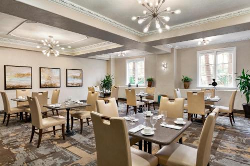 Embassy Suites by Hilton Santa Ana Orange County Airport - Santa Ana, CA CA 92705