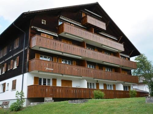 Apartment Suzanne Nr. 18 Gstaad