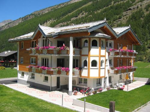 Holiday Home Haus Alpenstern, Wohnung Trift Saas-Fee