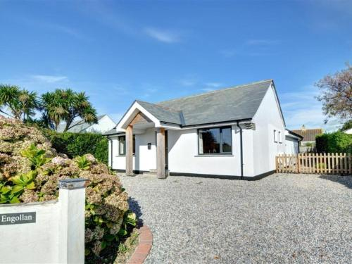 Holiday Home Amani, St Merryn, Cornwall