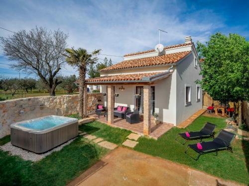 Holiday Home Villa Aurora - Loborika