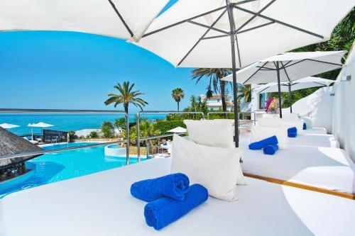 . El Oceano Beach Hotel