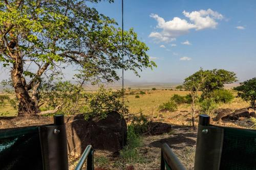 Experience living in the Savannah after a day long safari, Dodoth