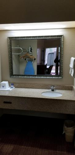 Americas Best Value Inn I-240 rom bilder
