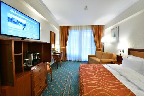 Lux Garden Hotel - Azuga