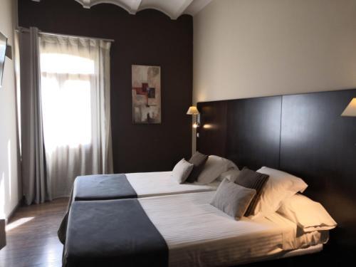 Twin Room - single occupancy Molí Blanc Hotel 10