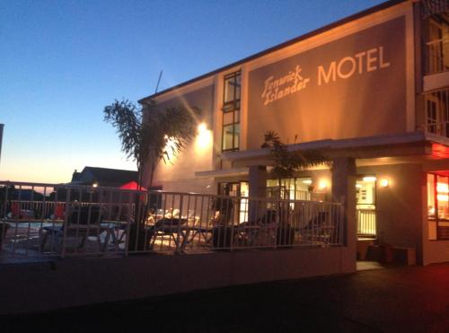 Fenwick Islander Motel