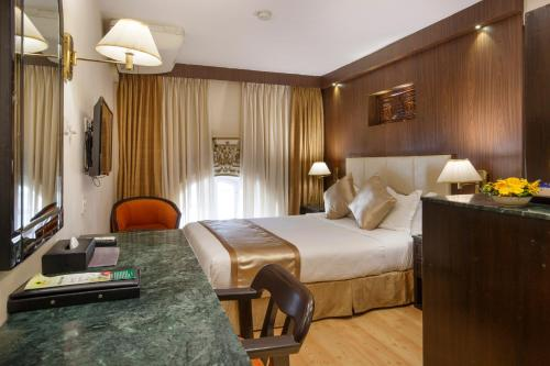 Single Room with Airport Transfers