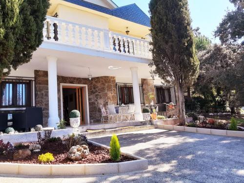 Robertina Home