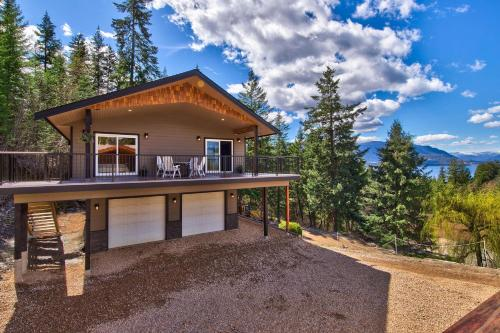 . Semi-Lakefront Luxury Retreat In Blind Bay, Bc Cottage