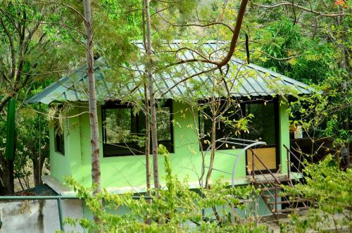 man vs wild stay in Maraiyūr, India - reviews, prices