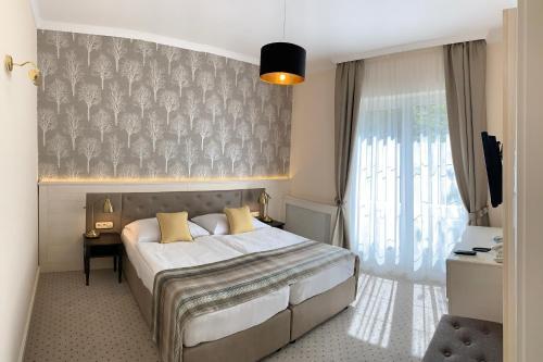 __{offers.Best_flights}__ Villa Medici Hotel & Restaurant