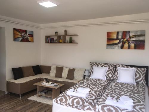 . Umbra Room