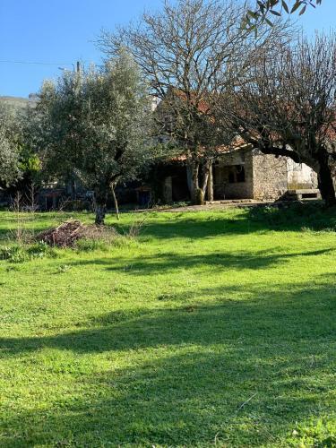 Casa da Cisterna Velha, Porto de Mós