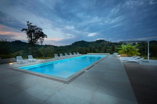 Suite con vistas a la piscina (Suite with Pool View)