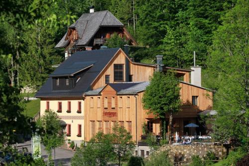 . Hotel Fahrnberger