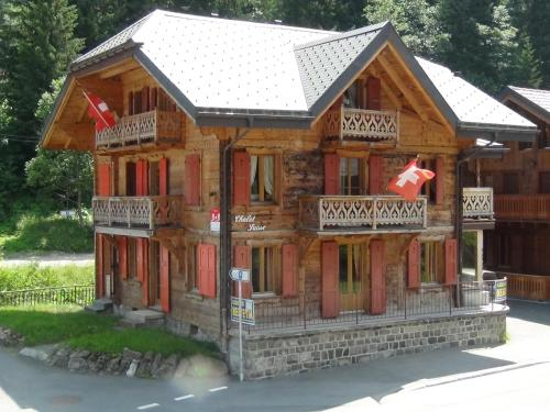 Chalet Suisse Bed and Breakfast - Accommodation - Morgins