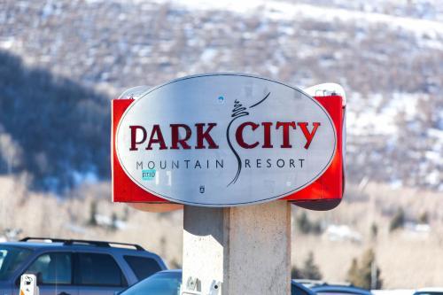 Snow Country Condominiums Main image 2