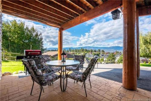 A Okanagan Lakeview Inn - Photo 2 of 51