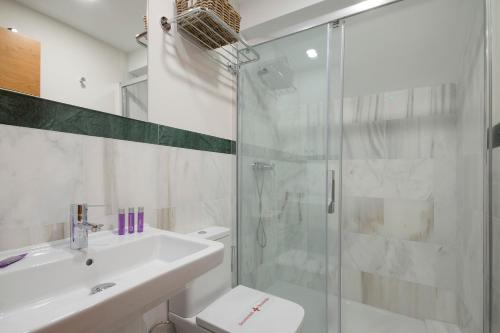 Habitat Suites Gran Vía room photos