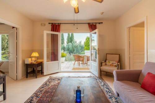 Suite with Terrace Hotel La Fuente de la Higuera 13