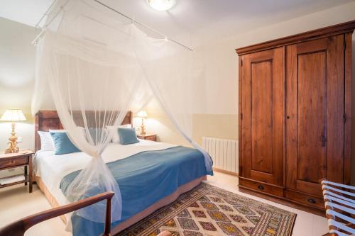 Suite with Terrace Hotel La Fuente de la Higuera 14